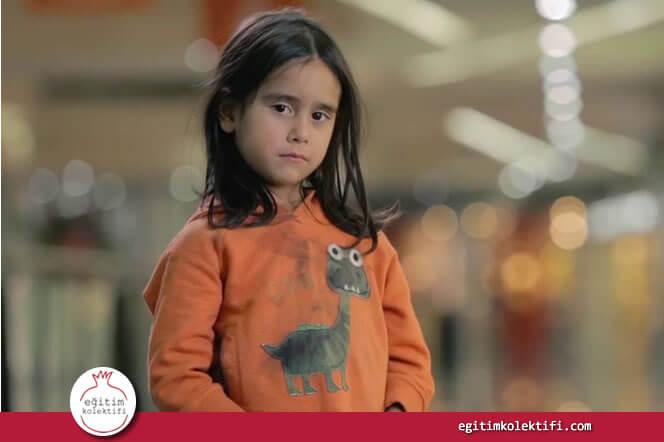 Deneyin ikinci basamağı küçük kız ağlamaya başlayınca sona erdirildi.