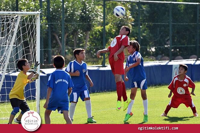Takım Sporları Özellikle Dezavantajlı Ailelerden Gelen Öğrencilere Destek Oluyor.