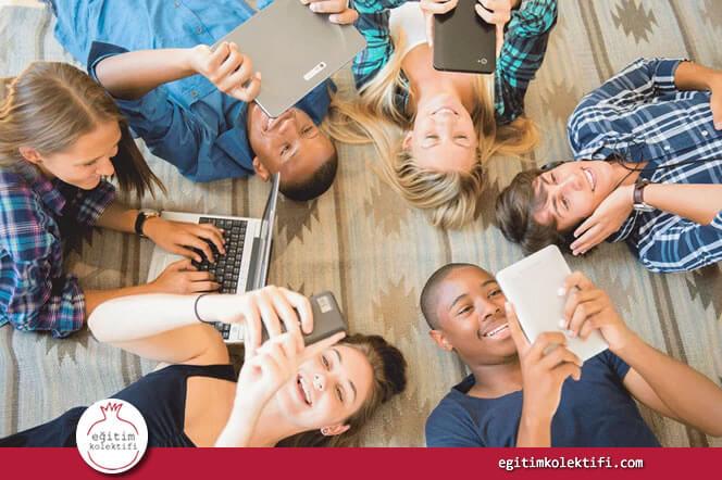 mobil telefonların ve sosyal medyanın çocuklarımızın hayatlarını nasıl etkilediğini anlamamız gerekiyor.