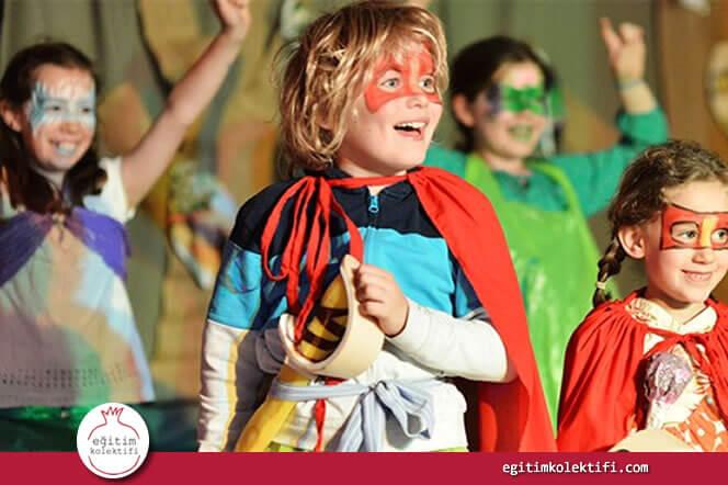 Konserlere, tiyatroya, sergilere, müzelere götürülen çocukların sadece sanat alanlarında değil hayatın diğer alanlarında da daha güçlü olduklarını hatırlayın.