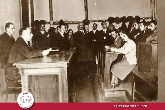 1928-29 eğitim yılında ülke çapındaki tüm okullarda karma eğitime geçilmiştir.