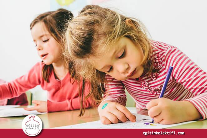 Okuma yazma sisteminde çocuğun sesleri farketmesi, uyarıları alması, sesleri birleştirmesi yaş, zeka, algı ve dikkat ile ilgili yakından ilgili.