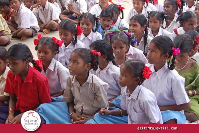 Bir eğitim sistemini 'başarılı' kılan en önemli özelliklerden biri eğitim yoluyla topluma fırsat eşitliği dağıtabilmesidir.