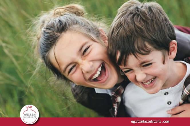 Küçük çocuklar henüz genç yaşlardayken insanlarla ilgili hislerinde haklı çıkmaya başlar.