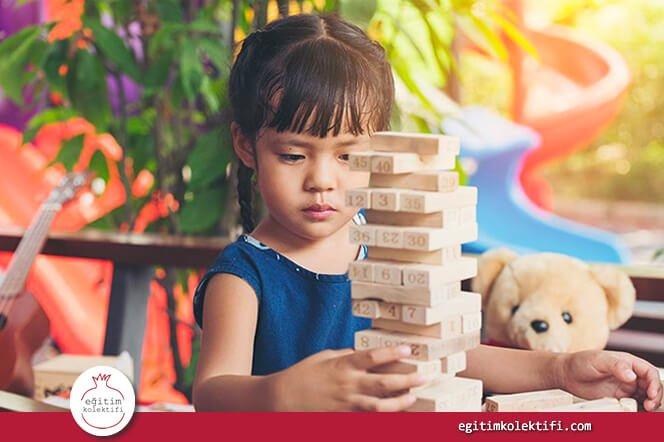 Farklı alanlarda donanım kazanmak, kendini ortaya koymak çocuğa 'gelişiyorum, öğreniyorum, ben yeterliyim' duygusunu kazandırır.
