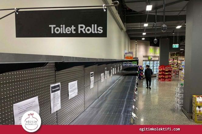 """'Marketten çıkan insana neden o kadar tuvalet kağıdı aldığını sorun """"herkes aldığı için"""" diyecektir.'"""
